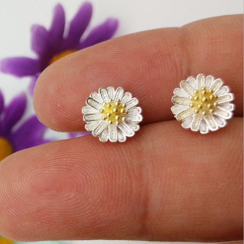 bong-tai-bac-chrysanthemum